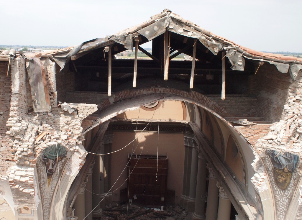 earthquake damage, Italy
